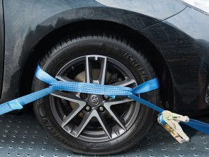 How to use ratchet straps